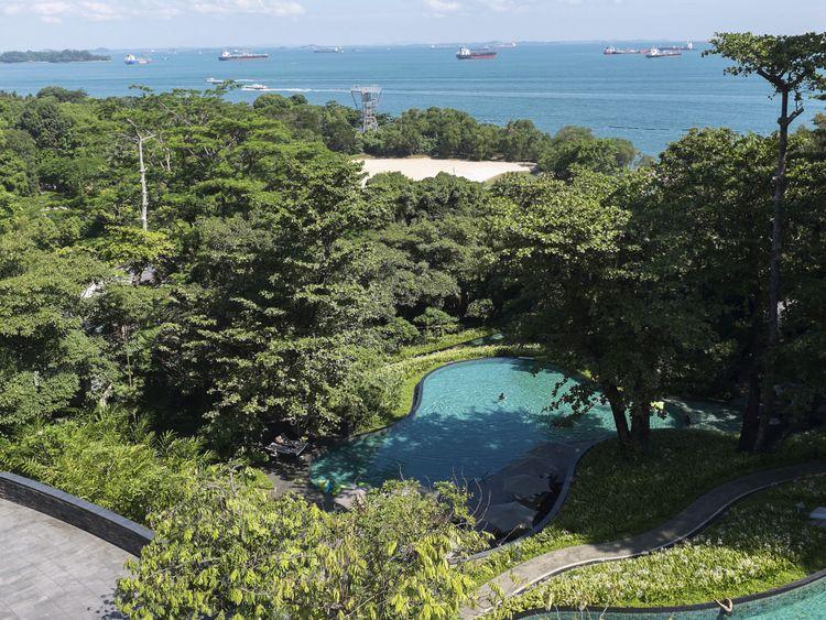 SINGAPOUR, SINGAPOUR - 4 JUIN: Vue du Singapour Détroit de l'hôtel Capella sur l'île de Sentosa le 4 juin 2018