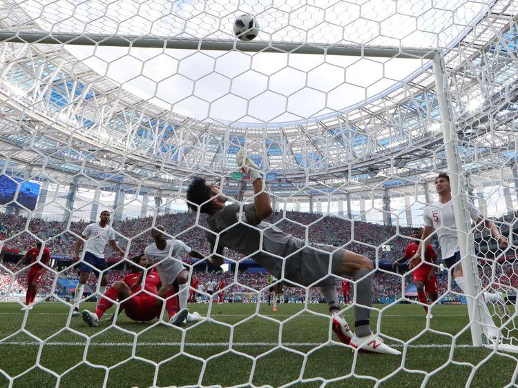 John Stones marque son deuxième but et le quatrième but de l'Angleterre