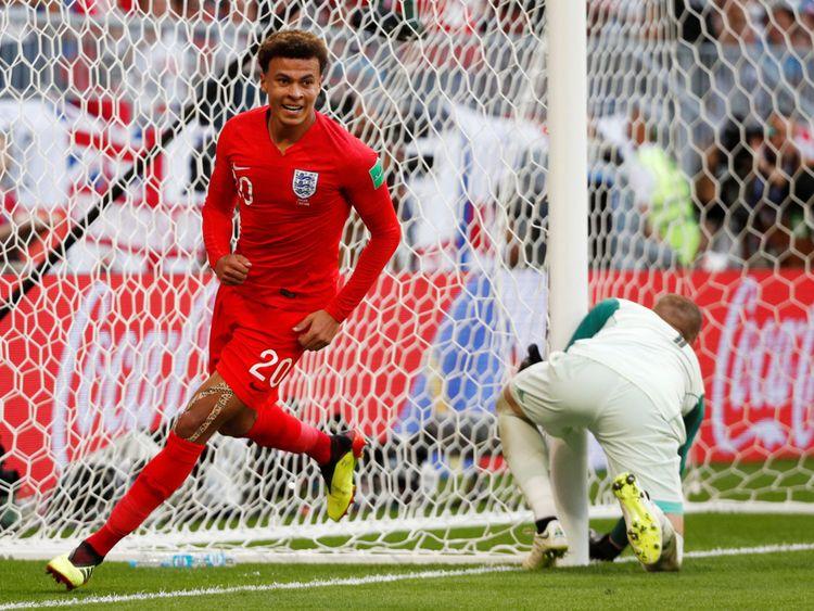 Dele Alli, d'Angleterre, célèbre son deuxième but