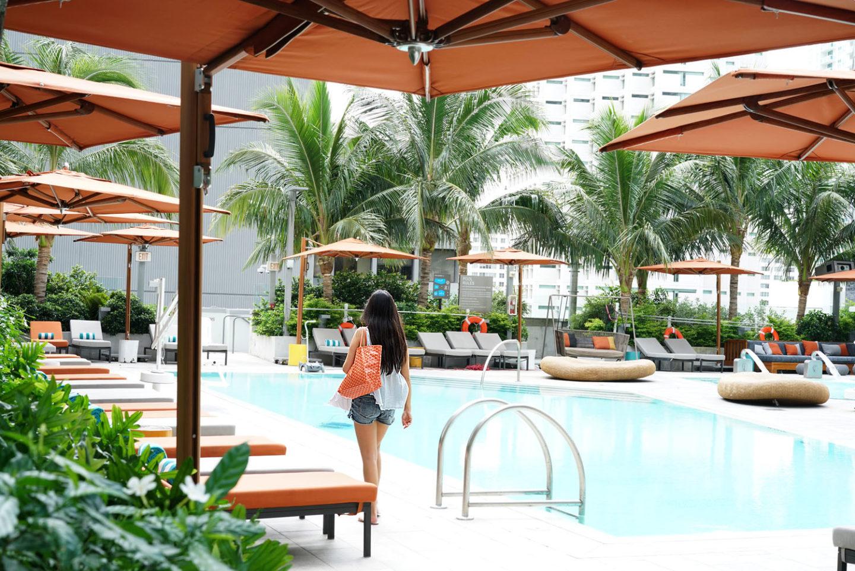 Piscine de l'hôtel East Miami