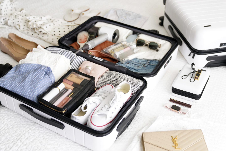 Away Bigger Carry-On emballage pour une semaine à New York | Le livre de beauté