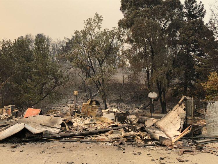 Les incendies ont affecté les maisons dans les quartiers de la ville, pas seulement ceux des zones rurales