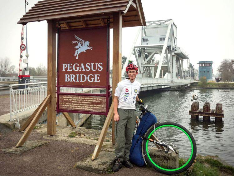 Arrivée au pont Pegasus en Normandie