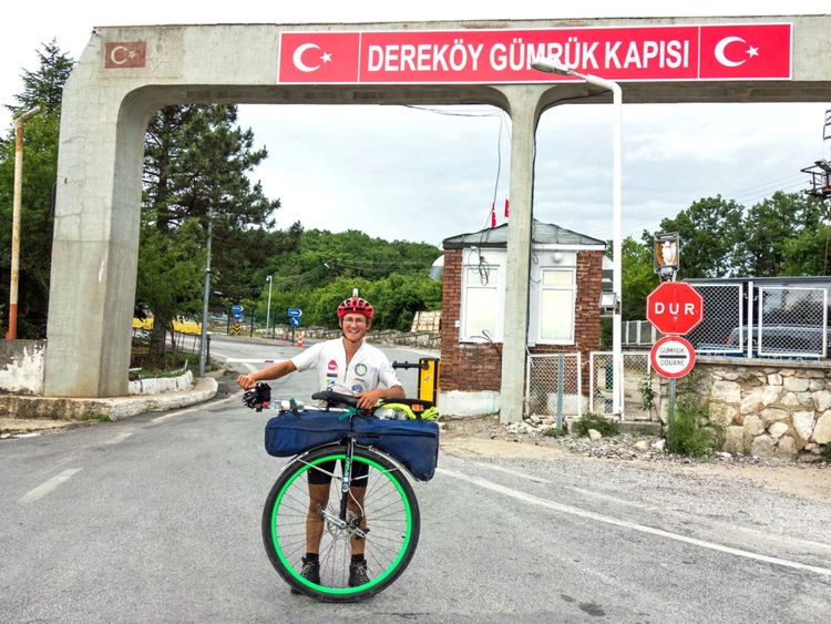 Ed atteint la Turquie