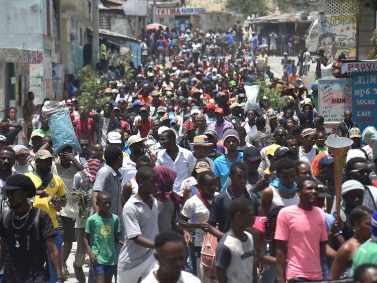 Des manifestants ont défilé dans les rues de Port-au-Prince contre le gouvernement