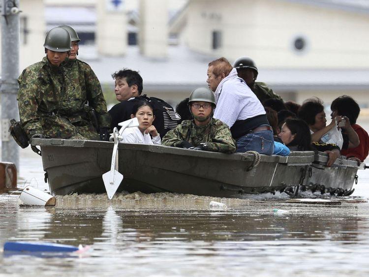 L'armée a été appelée pour aider à l'effort de sauvetage