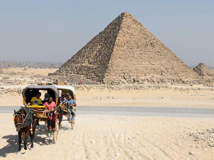 La grande pyramide n'est que de 0,067 degré dans le sens anti-horaire par rapport à un alignement cardinal parfait