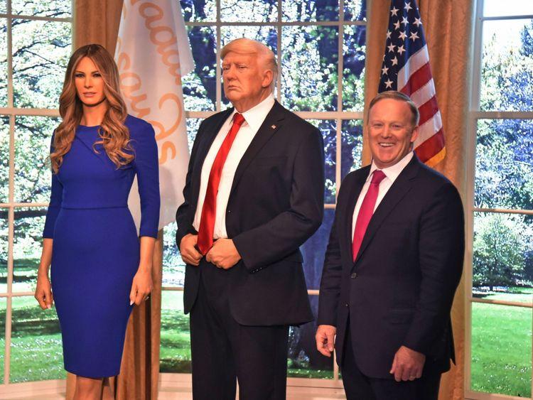 Sean Spicer s'est tenu occupé - et a récemment dévoilé un cire des Trumps
