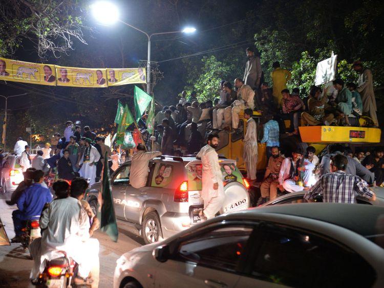 Un rassemblement dirigé par Shahbaz Sharif, le frère cadet de Nawaz et le chef du parti de la Ligue musulmane du Pakistan-Nawaz (PML-L), à Lahore