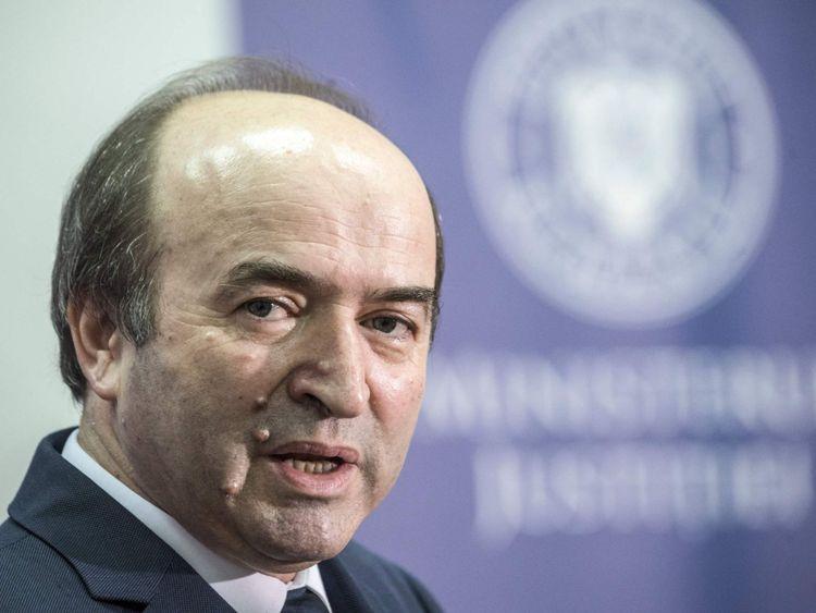 Le ministre roumain de la Justice, Tudorel Toader, pense que les procureurs ne veulent pas mettre le travail