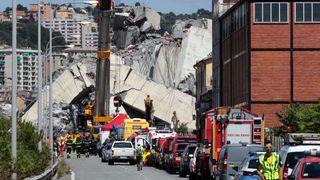 """Les pompiers et les secouristes se tiennent sur le site du pont Morandi qui s'est effondré """"srcset ="""" https://e3.365dm.com/18/08/320x180/skynews-genoa-bridge_4390889.jpg?20180815150229 320w, https: // e3. 365dm.com/18/08/640x380/skynews-genoa-bridge_4390889.jpg?20180815150229 640w, https://e3.365dm.com/18/08/736x414/skynews-genoa-bridge_4390889.jpg?20180815150229 736w, https: //e3.365dm.com/18/08/992x558/skynews-genoa-bridge_4390889.jpg?20180815150229 992w, https://e3.365dm.com/18/08/1096x616/skynews-genoa-bridge_4390889.jpg?20180815150229 1096w, https://e3.365dm.com/18/08/1600x900/skynews-genoa-bridge_4390889.jpg?20180815150229 1600w, https://e3.365dm.com/18/08/1920x1080/skynews-genoa-bridge_4390889 .jpg? 20180815150229 1920w, https://e3.365dm.com/18/08/2048x1152/skynews-genoa-bridge_4390889.jpg?20180815150229 2048w """"size ="""" (min-width: 900px) 992px, 100vw"""