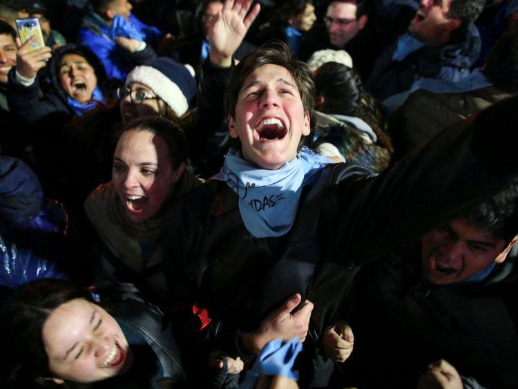 Les militants anti-avortement ont célébré la décision du sénat