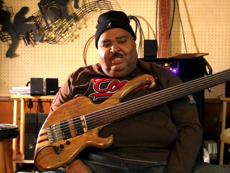 Ralphe Armstrong est considéré comme l'un des meilleurs bassistes du monde.