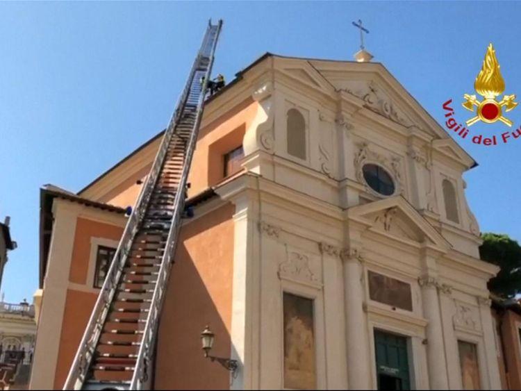 L'église est construite sur une ancienne prison où l'on dit que saint Pierre a été détenu