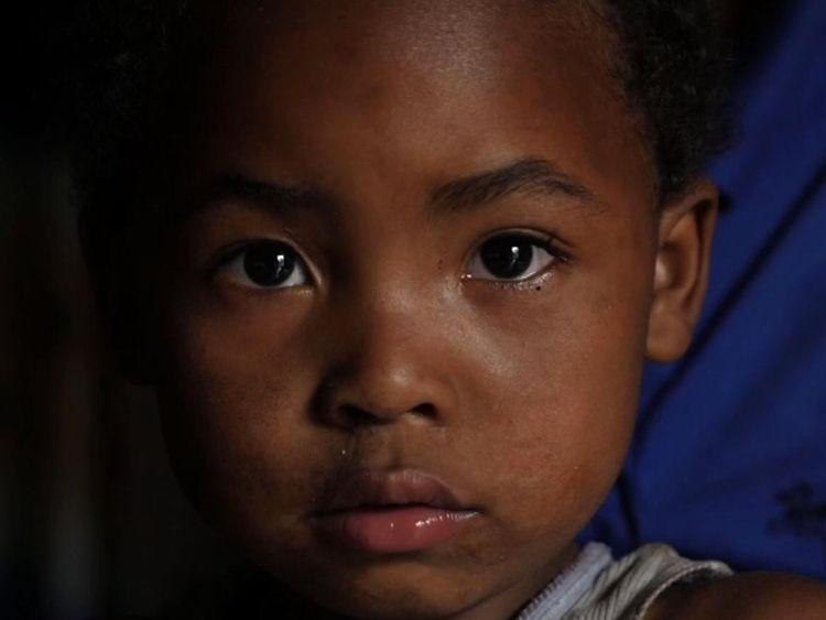 """Mika est connu comme """"le blanc"""" dans sa communauté de Goma"""