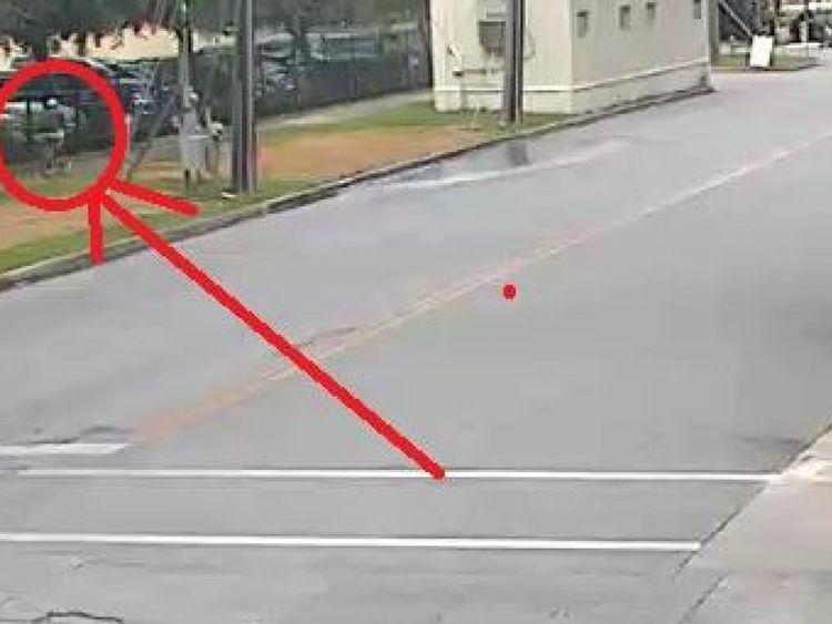 La police de Houston a mis en évidence le suspect en CCTV depuis le jour du meurtre