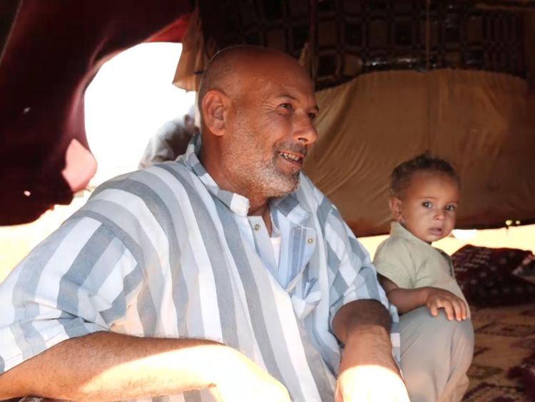Mohammed dit qu'il est terrifié par le régime syrien car ils tuent des enfants et des femmes.