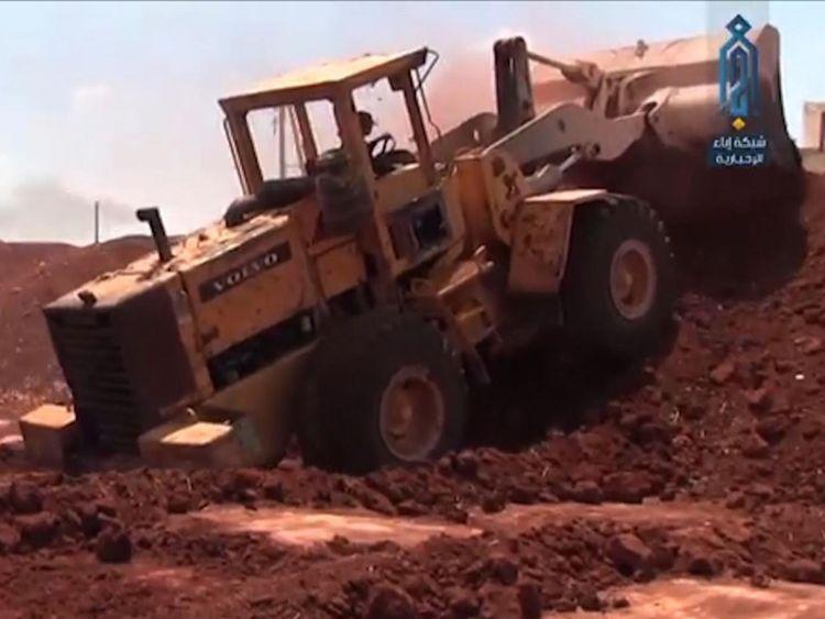 Les djihadistes construisent des défenses prêtes pour une bataille probable avec les forces du président Assad