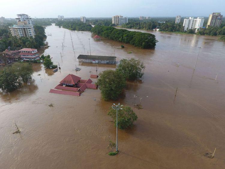 Le temple de Shiva à Kochi a été submergé lorsque de l'eau a été libérée d'un barrage la semaine dernière