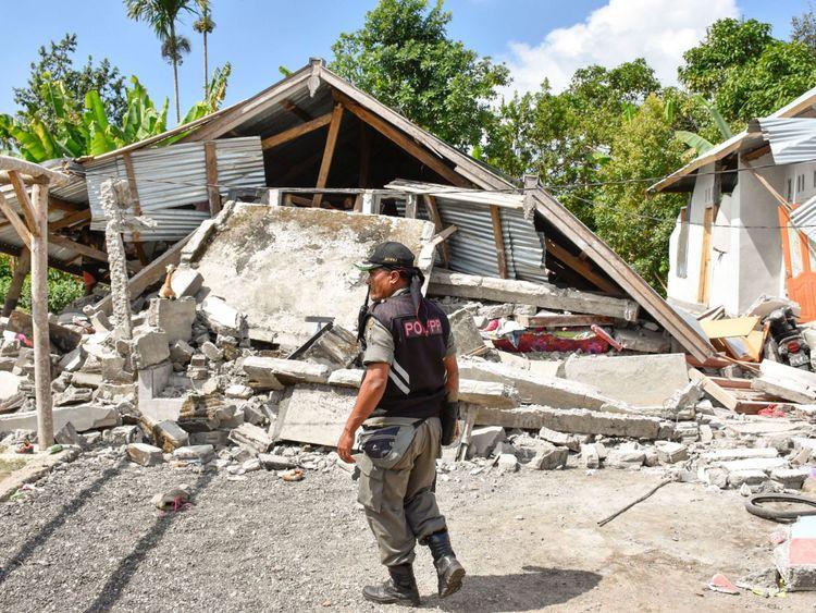 Le séisme a détruit de nombreux bâtiments sur l'île