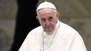 """Le pape est confronté à une tâche délicate en Irlande """" /18/08/640x380/skynews-pope-francis-ireland_4399362.jpg?20180824073800 640w, https://e3.365dm.com/18/08/736x414/skynews-pope-francis-ireland_4399362.jpg?20180824073800 736w, https : //e3.365dm.com/18/08/992x558/skynews-pope-francis-ireland_4399362.jpg? 20180824073800 992w, https://e3.365dm.com/18/08/1096x616/skynews-pope-francis- ireland_4399362.jpg? 20180824073800 1096w, https://e3.365dm.com/18/08/1600x900/skynews-pope-francis-ireland_4399362.jpg?20180824073800 1600w, https://e3.365dm.com/18/08/ 1920x1080 / skynews-pope-francis-ireland_4399362.jpg? 20180824073800 1920w, https://e3.365dm.com/18/08/2048x1152/skynews-pope-francis-ireland_4399362.jpg?20180824073800 2048w """"dimensions ="""" (min- largeur: 900px) 992px, 100vw"""