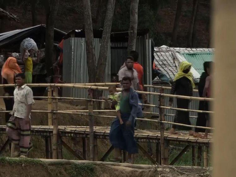 De nombreux Rohingya vivent dans des camps après avoir fui le Myanmar