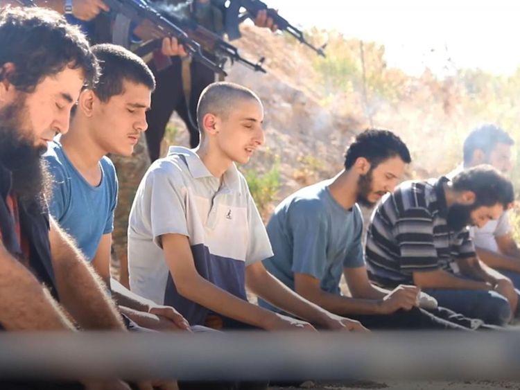 Le HTS a tué ces hommes, les accusant d'être des bombardiers de l'EI