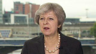 """Theresa May s'oppose à la position de l'UE sur la frontière de l'Irlande du Nord après le Brexit """"srcset ="""" https://e3.365dm.com/18/07/320x180/skynews-theresa-may-northern-ireland_4366860.jpg?20180720115708 320w, https://e3.365dm.com/18/07/640x380/skynews-theresa-may-northern-ireland_4366860.jpg?20180720115708 640w, https://e3.365dm.com/18/07/736x414/skynews -theresa-may-northern-ireland_4366860.jpg? 20180720115708 736w, https://e3.365dm.com/18/07/992x558/skynews-theresa-may-northern-ireland_4366860.jpg?20180720115708 992w, https: // e3 .365dm.com / 18/07 / 1096x616 / skynews-theresa-may-nord-irlande_4366860.jpg? 20180720115708 1096w, https://e3.365dm.com/18/07/1600x900/skynews-theresa-may-northern- ireland_4366860.jpg? 20180720115708 1600w, https://e3.365dm.com/18/07/1920x1080/skynews-theresa-may-northern-ireland_4366860.jpg?20180720115708 1920w, https://e3.365dm.com/18/ 07 / 2048x1152 / skynews-theresa-may-nord-irlande_4366860.jpg? 20180720115708 2048w """"tailles ="""" (min-largeur: 900px) 992px, 100vw"""