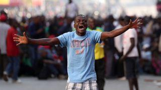 Les manifestants du Mouvement pour le changement démocratique sont descendus dans les rues de Harare après les résultats des élections législatives