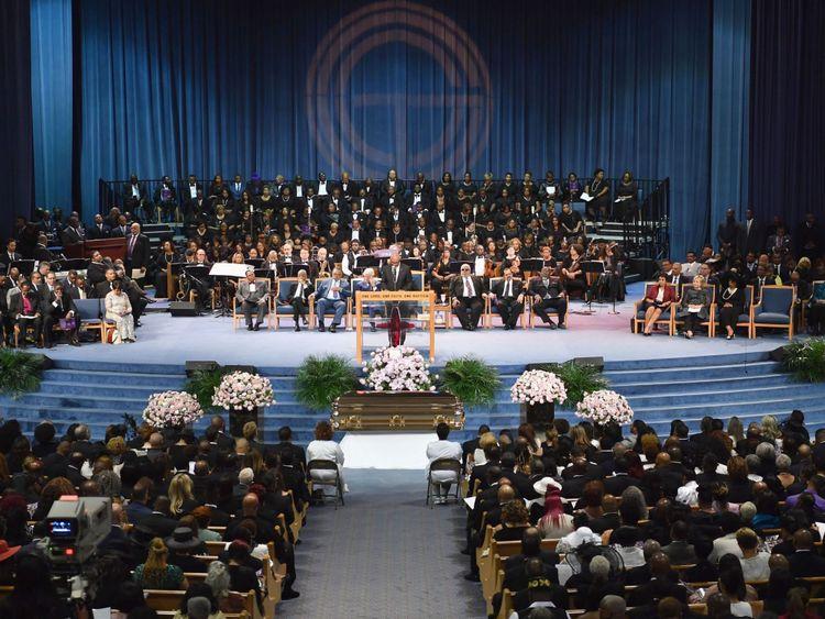 Les personnes en deuil assistent aux funérailles d'Aretha Franklin à Greater Grace Temple le 31 août 2018 à Detroit, au Michigan. (Photo par Angela Weiss / AFP) (Crédit photo: ANGELA WEISS / AFP / Getty Images)