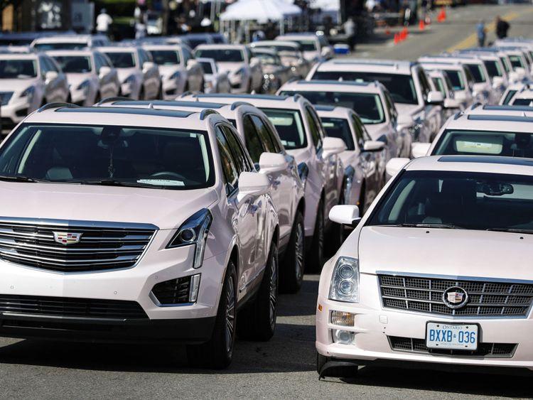 Des Cadillac roses ont été alignées en un clin d'œil à sa vidéo pour Freeway Of Love