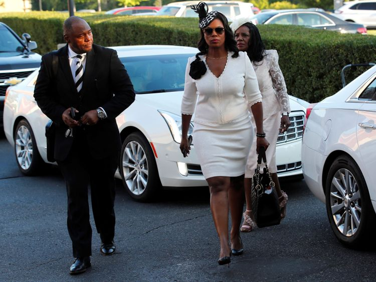 Omarosa Manigault-Newman arrive pour le service funèbre d'Aretha Franklin au temple de la Grande Grâce à Détroit, Michigan, États-Unis, le 31 août 2018. REUTERS / Mike Segar