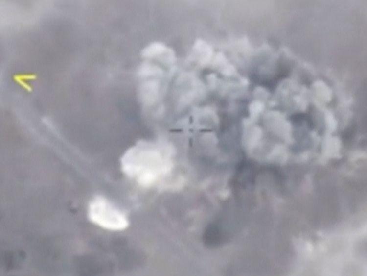 Une image fixe extraite d'une vidéo diffusée par le ministère de la Défense de la Russie montre un missile ...