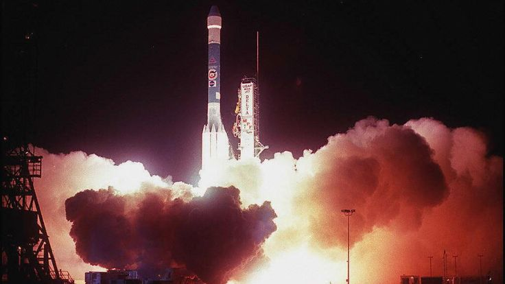Delta II - vu ici portant la sonde spatiale Mars Pathfinder - est l'un des systèmes de lancement les plus réussis de l'histoire