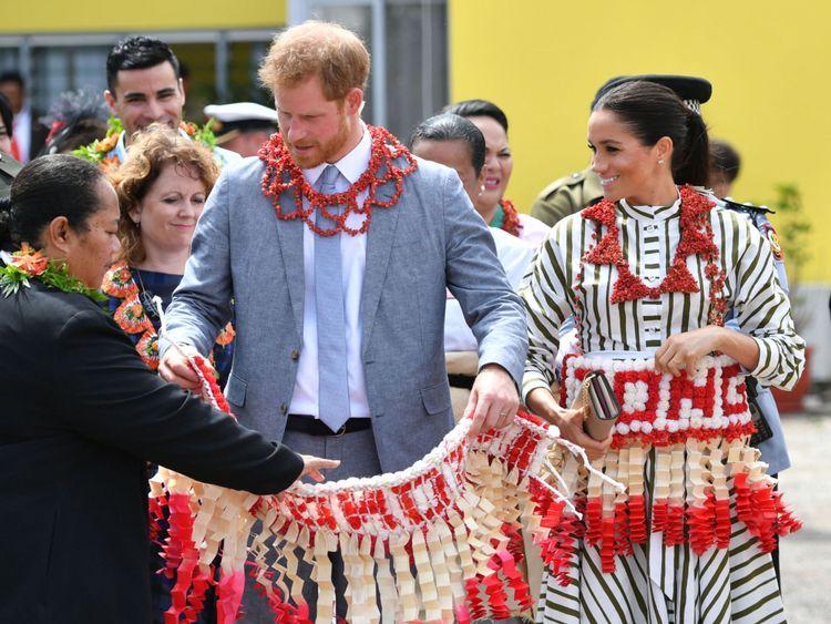 Le couple royal a visité une exposition d'artisanat tongan