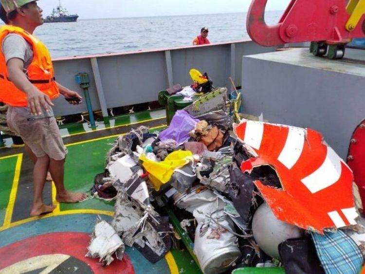Certains débris de l'avion ont été récupérés. Image: Sutopo Purwo Nugroho