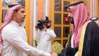 "Salah Khashoggi, fils de Jamal Khashoggi, rencontre Mohammed Bin Salman. Image: Association de la presse saoudienne ""srcset ="" https://e3.365dm.com/18/10/320x180/skynews-khashoggi-saudi-arabia_4462068.jpg?20181023152404 320w, https://e3.365dm.com/18/ 10 / 640x380 / skynews-khashoggi-saudi-arabia_4462068.jpg? 20181023152404 640w, https://e3.365dm.com/18/10/73620143029302930293029302930293029302929 e3.365dm.com/18/10/992x558/skynews-khashoggi-saudi-arabia_4462068.jpg?20181023152404 992w, https://e3.365dm.com/18/10/1096x616/skynews-khashoggsaansa_aa_a_sala_a_a_a_a_aa_a_a ? 20181023152404 1096w, https://e3.365dm.com/18/10/1600x900/skynews-khashoggi-saudi-arabia_4462068.jpg?20181023152404 1600w, https://e3.365dm.com/18/10/1920x1080/sans -khashoggi-saudi-arabia_4462068.jpg? 20181023152404, 1920w, https://e3.365dm.com/18/10/2048x1152/skynews-khashoggi-saudi-arabia_4462068.jpg?uk=w&language=fr ) 992px, 100vw"