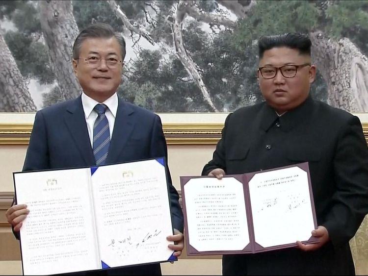Moon Jae-in et Kim Jong Un ont signé une déclaration commune pour œuvrer en faveur d'une péninsule coréenne dépourvue de ressources nucléaires