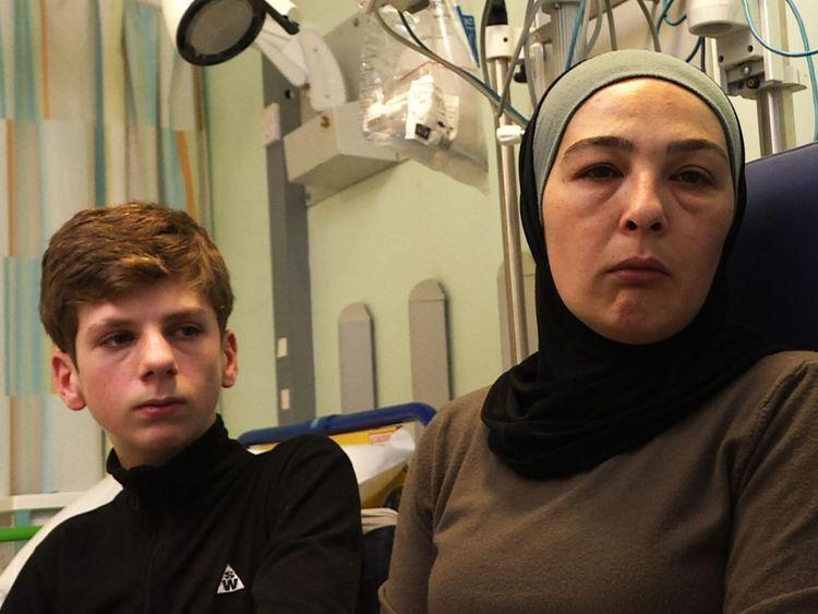La mère de Najib, Faten Sh'houd, espère toujours que son fils marchera à nouveau