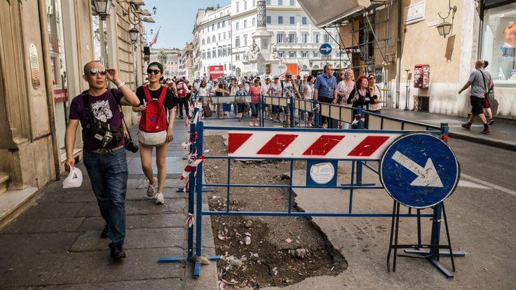 Les rues de Rome regorgent de nids de poule