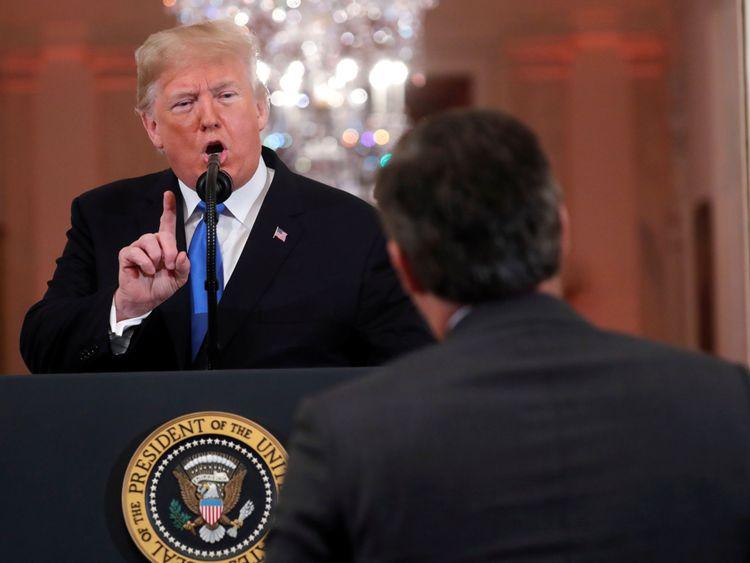 Donald Trump a critiqué le journaliste de CNN, Jim Acosta, lors de la conférence
