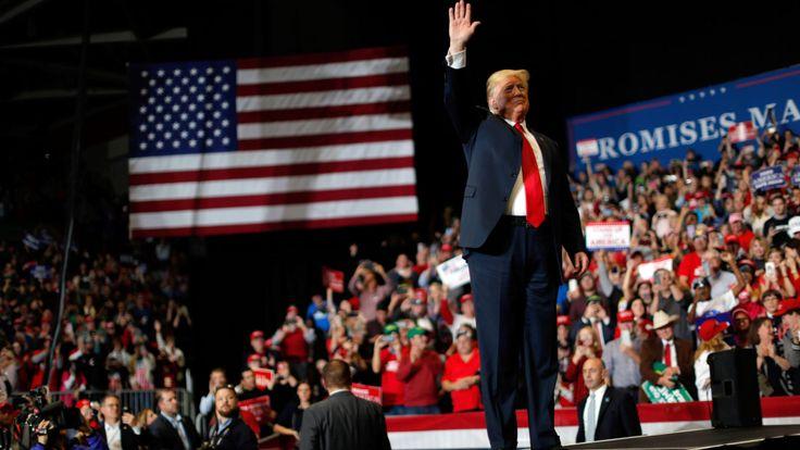 Donald Trump a menacé les démocrates après avoir remporté la majorité à la Chambre