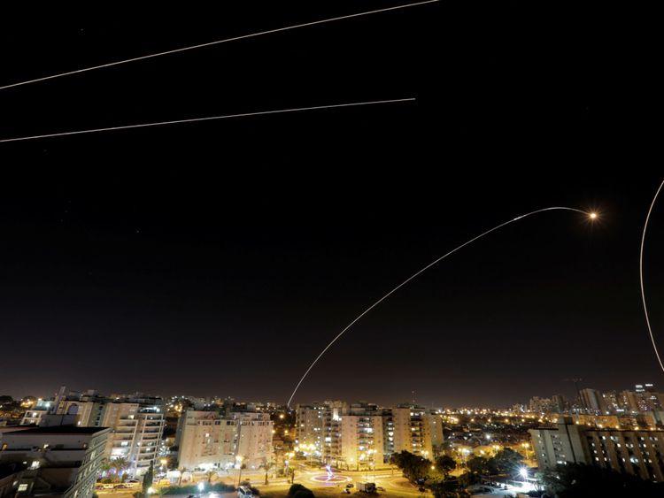 Un anti-missile Dome de Fer tiré à Ashkelon près du côté israélien de la frontière de Gaza