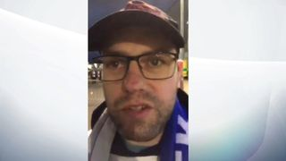 "Journal des fans de la ville de Leicester ""srcset ="" https://e3.365dm.com/18/11/320x180/skynews-leicester-fan-foxes_4475179.jpg?20181103182841 320w, https://e3.365dm.com/18/11 /640x380/skynews-leicester-fan-foxes_4475179.jpg?20181103182841 640w, https://e3.365dm.com/18/11/736x414/skynews-leicester-fan-foxes_4475179.jpg?20181103181841, .365dm.com / 18/11 / 992x558 / skynews-leicester-fan-foxes_4475179.jpg? 20181103182841 992w, https://e3.365dm.com/18/11/1096x616/skynews-leicester-fan-foxes_4475179.pg? 20181103182841 1096w, https://e3.365dm.com/18/11/1600x900/skynews-le-cester-fan-foxes_4475179.jpg?20181103182841 1600w, https://e3.365dm.com/18/11/1920x1080/skynews- leicester-fan-foxes_4475179.jpg? 20181103182841 1920w, https://e3.365dm.com/18/11/2048x1152/skynews-leicester-fan-foxes_4475179.jpg?20181103182841/skynews-leicester-fan-foxes_4475179.jpg?20181103182841 2048w ""tailles ="" (min-largeur: 900px) 992px, 100vw"