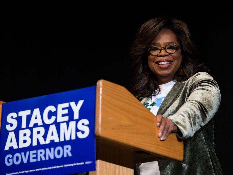 Oprah Winfrey a déclaré que personne ne lui avait demandé d'appuyer Mme Abrams