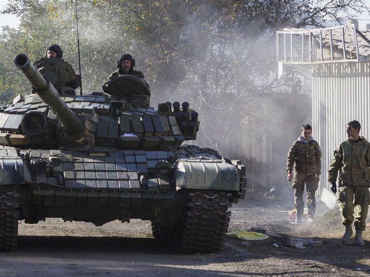Le président ukrainien a déclaré que les chars russes se massaient à la périphérie de son pays. Image de fichier