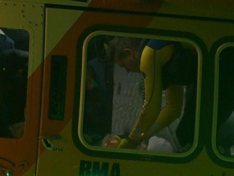L'homme a été transporté par avion à l'hôpital après l'attaque