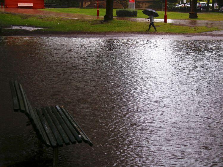 De fortes précipitations ont inondé les parcs publics de Sydney