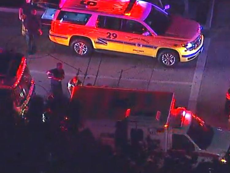 Services d'urgence sur les lieux. Pic: abc7.com