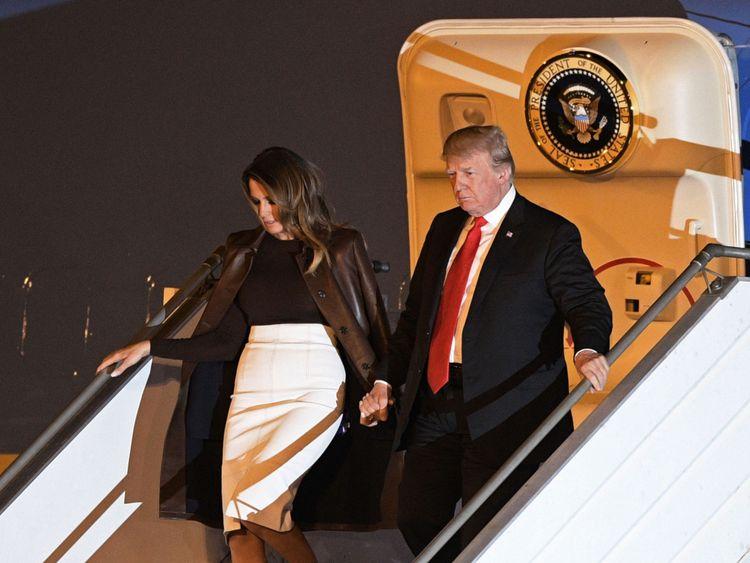 M. Trump et la Première Dame Melania arrivent à la veille du sommet